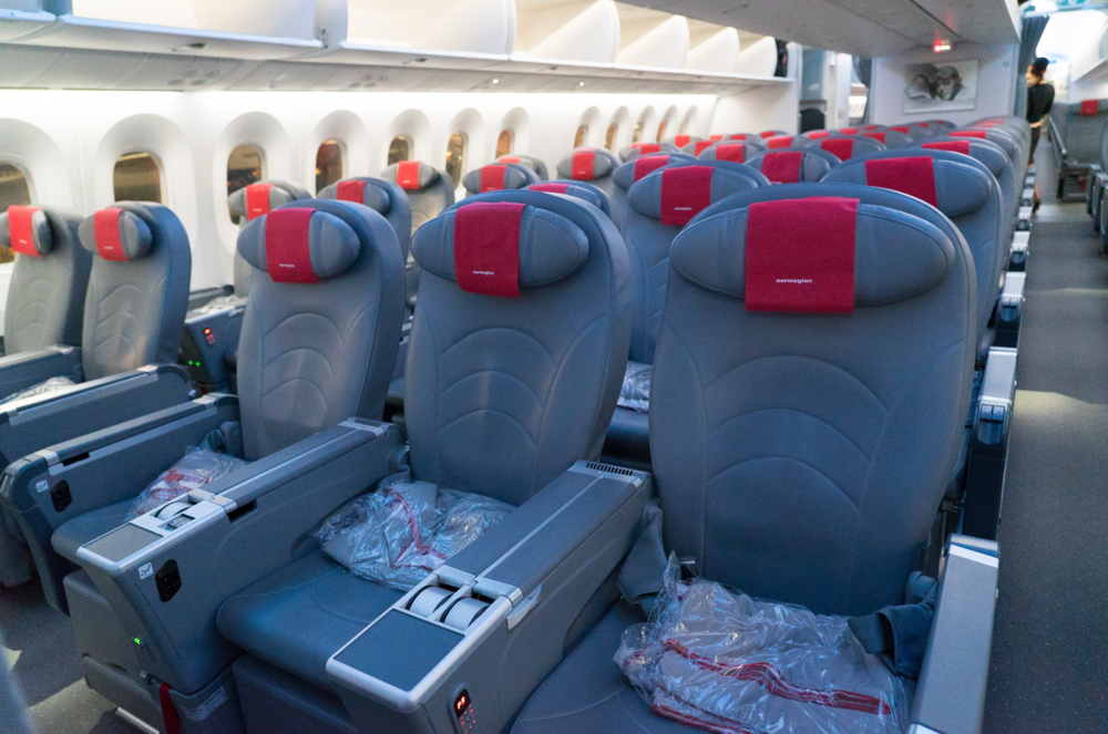 norwefian air premium economy cabin review seats and seat size
