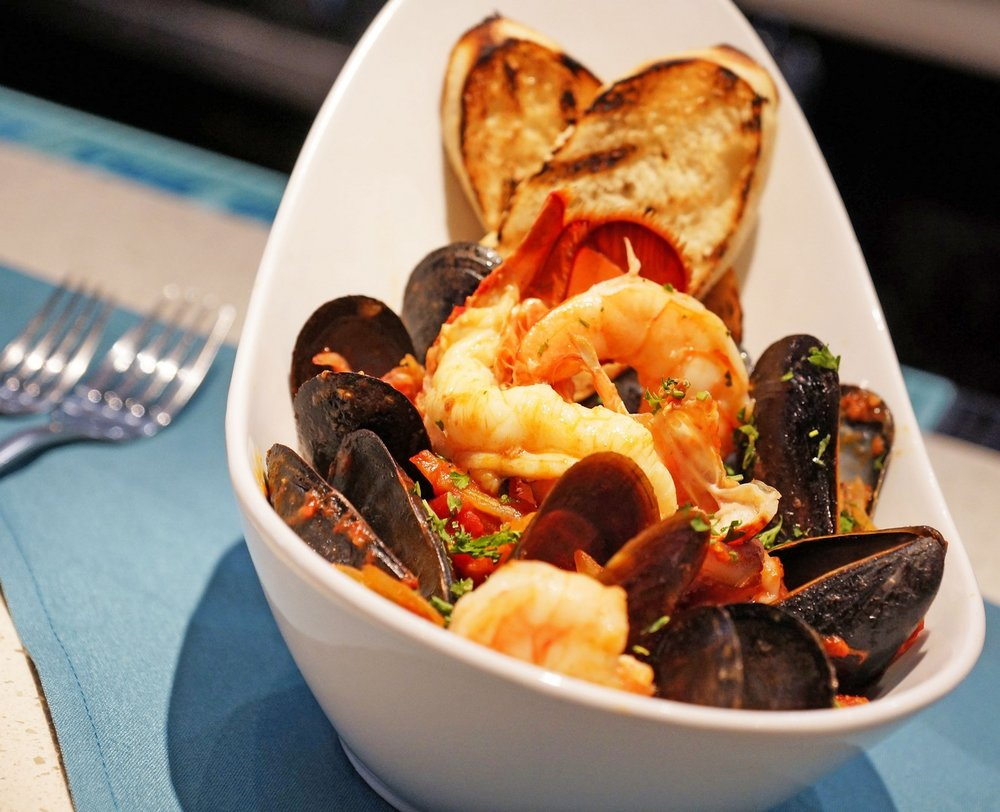 SARASOTA MAGAZINE'S TOP 5 SEAFOOD STEWS IN SARASOTA