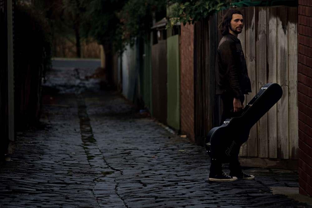 Phil-Barlow-Solo-Alleyway-2-web.jpg