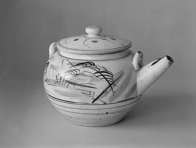 """Théière """"Image par la fenêtre"""" (Japon)ca. 1915-35 - Musée de Brooklyn"""