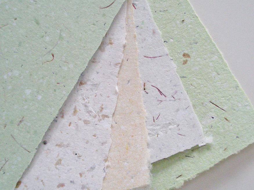 Papier fait main à partir de matériaux recyclés -  Fox Hill Llama(Etsy)