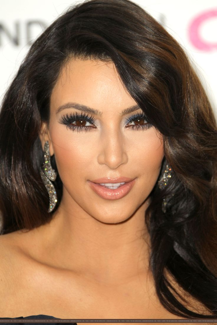 kim-kardashian-eye-makeup-blue-eye-makeup-kim-kardashian-looks-makeup-blue-eyes.jpg