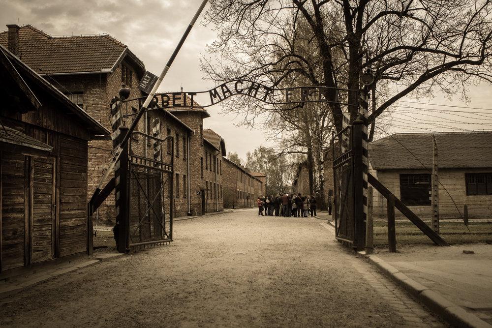 Auschwitz-Birkenau_001.jpg