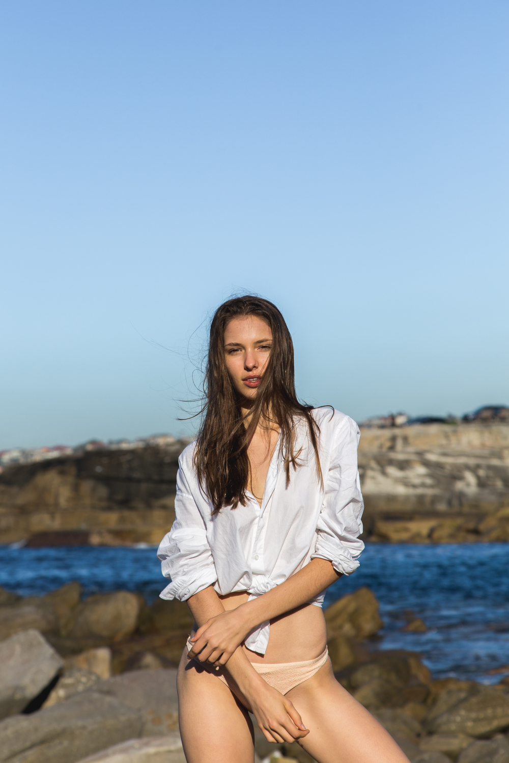 Clovelly, Sydney -   Kimberley de Vocht - Chic Management  Styling - Betty Scott Molloy