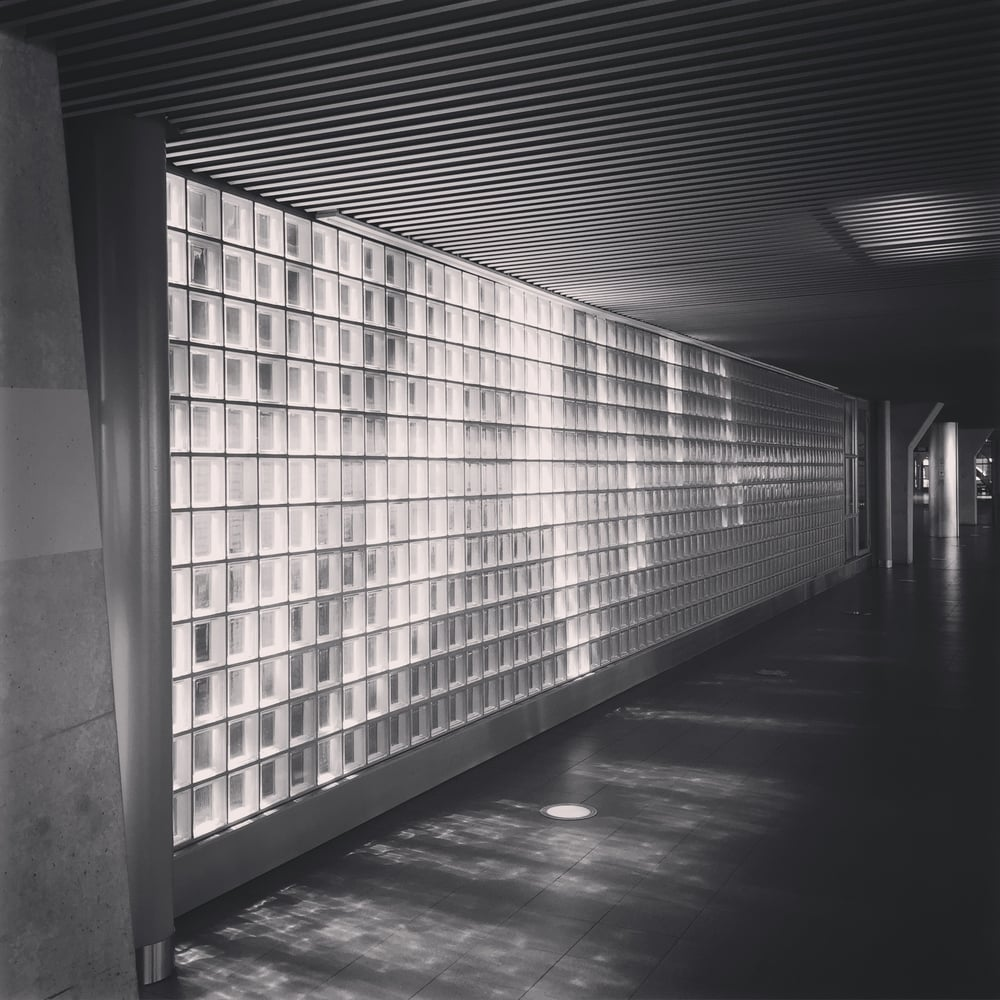 'Glass Wall - Schiphol' 2015