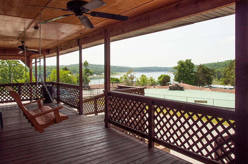 Bull Shoals Lake view lodging