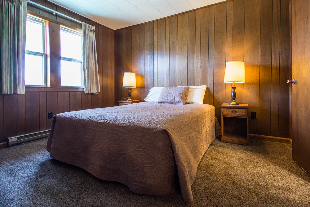 Bull Shoals Lake vacation rental house-bedroom