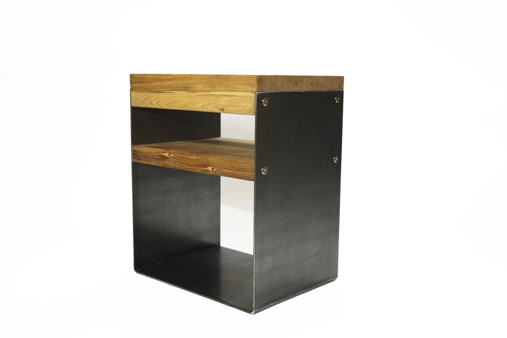 Le chevet meubles de bois recycle for Meubles must montreal