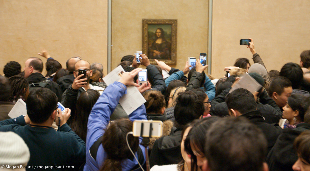 Mona and her fans