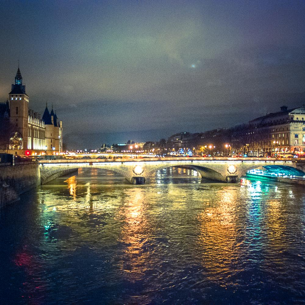 Parisnight.jpg