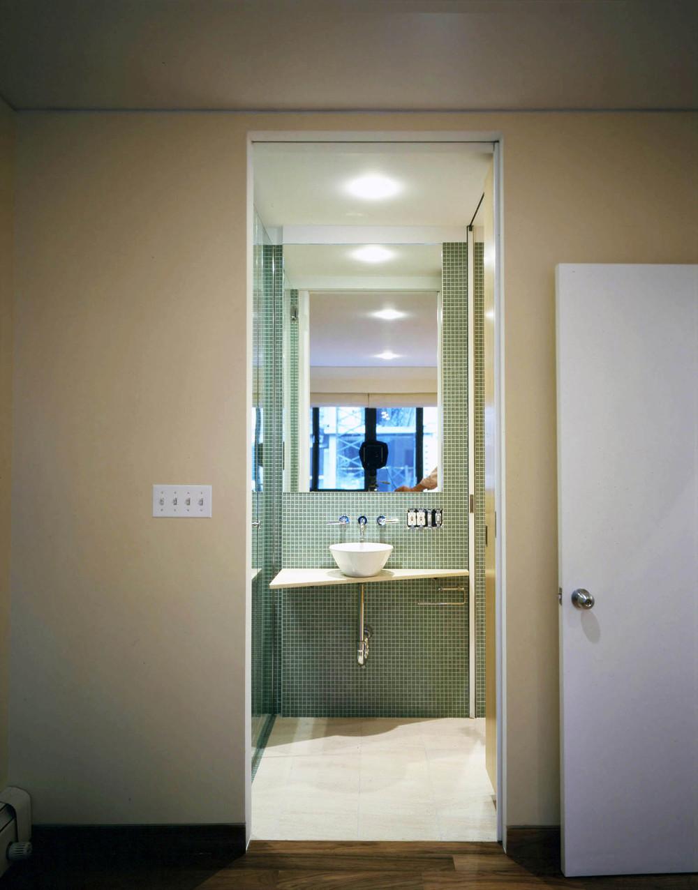 Bath-04x.jpg