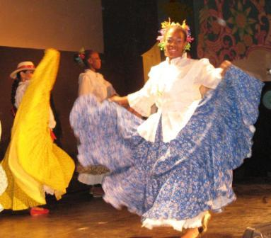 Panamanian Dance by Grupo Cultural Latinos en Rochester