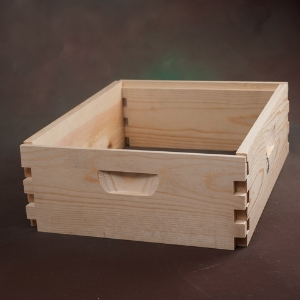 "Western (medium) supers, unassembled (6 5/8"" x 19 78"" x 16 1/4"")  -     Quality construction out of kiln dried Northwest Ponderosa Pine.    Innovative design with special 1-5/8"" top box joint for added strength."