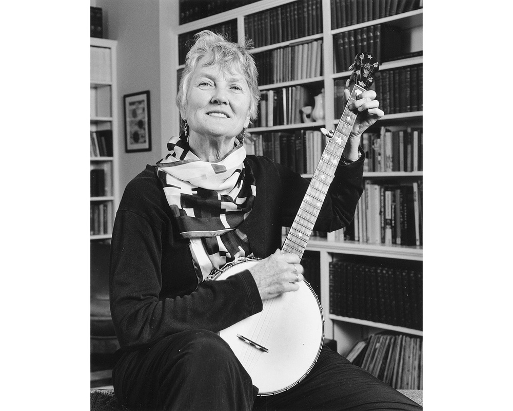 Peggy Seeger music banjo Hands in Harmony Tim Barnwell photographer