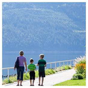 Nakusp Arrow Lakes Nestled against the tranquil waters (and long, sandy beaches) of Upper Arrow Lake is the village of Nakusp. Walk the lakeside boardwalk, hike among old growth cedars, or take a dip in one of the many local hot springs.