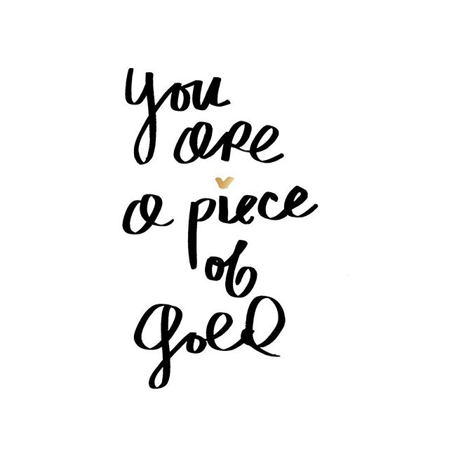 You are a piece of gold. \\ Thank you to each of you that have been there, for reaching out and for your sweet messages. Im slowly picking up all the pieces that have fallen out of place and it feels better already. To one of my besties that told me this the other day. It was so nice and just resonated so deep. So deep that I made this. So Thank you. You are too. I haven't painted in a month but I feel it coming, that magic. Don't forget. You all are pieces of gold and I love you ✨