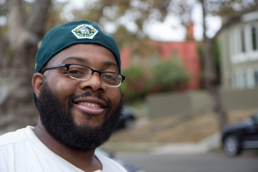 Siddiqqi Osibin - Permaculture Landscaper Siddiqqi Osibin is a permaculture landscaper for Planting Justice.  He grew up in North Oakland, CA and appreciates working in his home town. Siddiqqi enjoys bike riding, walking, astronomy and his new found love which is planting and designing sustainable edible gardens.  He is currently attending a permaculture design course through P2R and is excited about plant identification and taxonomy.  His positive spirit and strong work ethic is an important asset to the team.