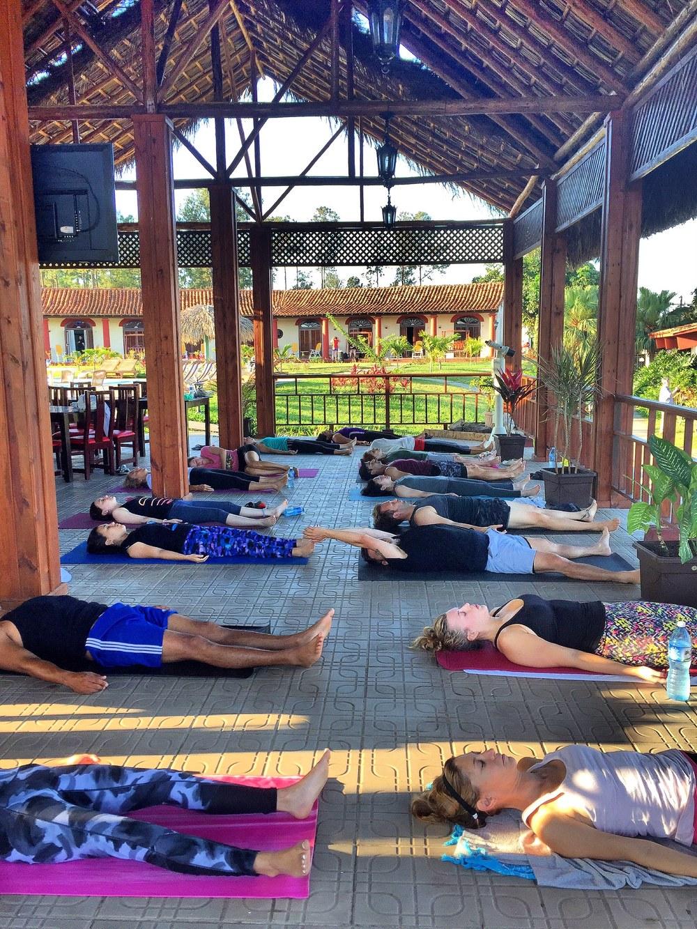 yoga in viñales