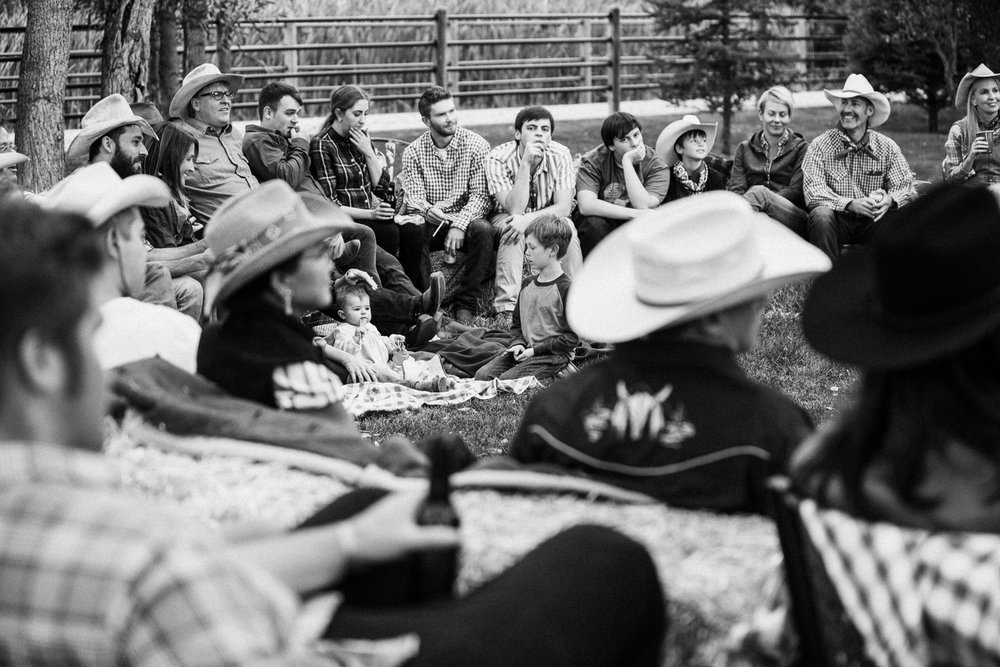 candid-black-and-white-documentary-photography-at-extended-family-gathering-in-heber-utah