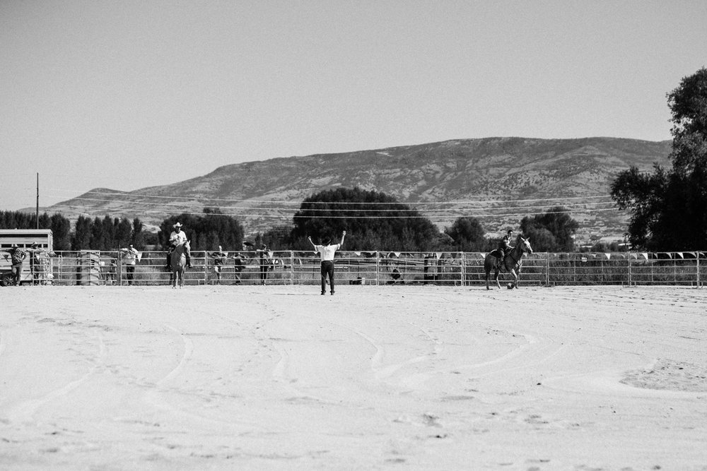 barrel-racing-at-legacy-days-rodeo-heber-ut