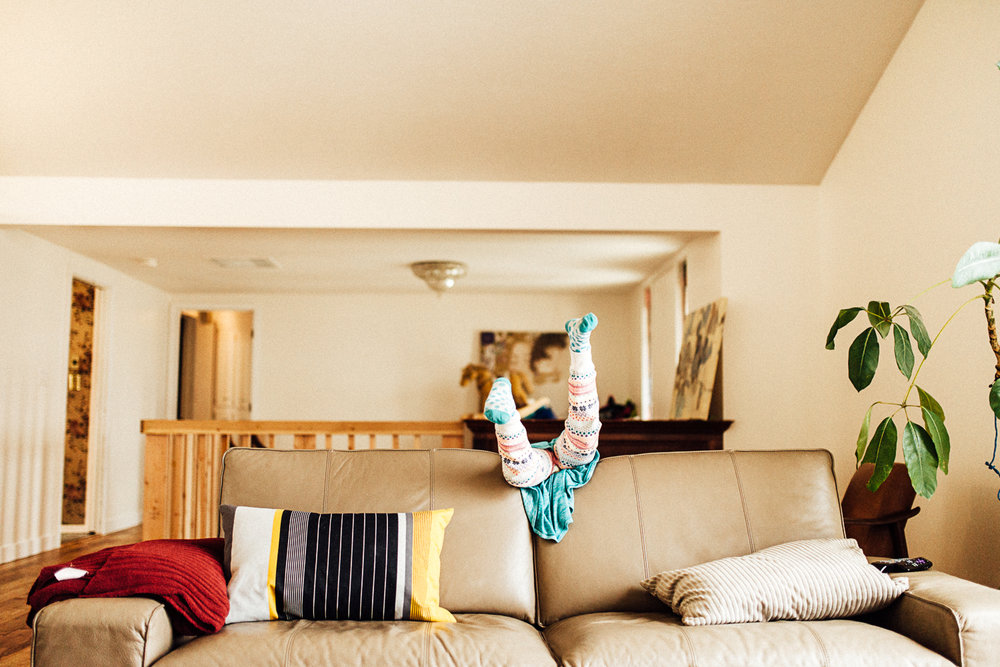 feet-in-the-air-family-lifestyle-session-at-home-slc-utah