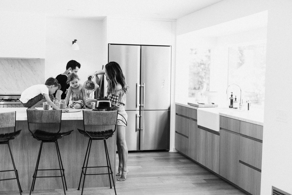 candid-photo-of-erin-shedarowich-and-family-at-home-southern-california