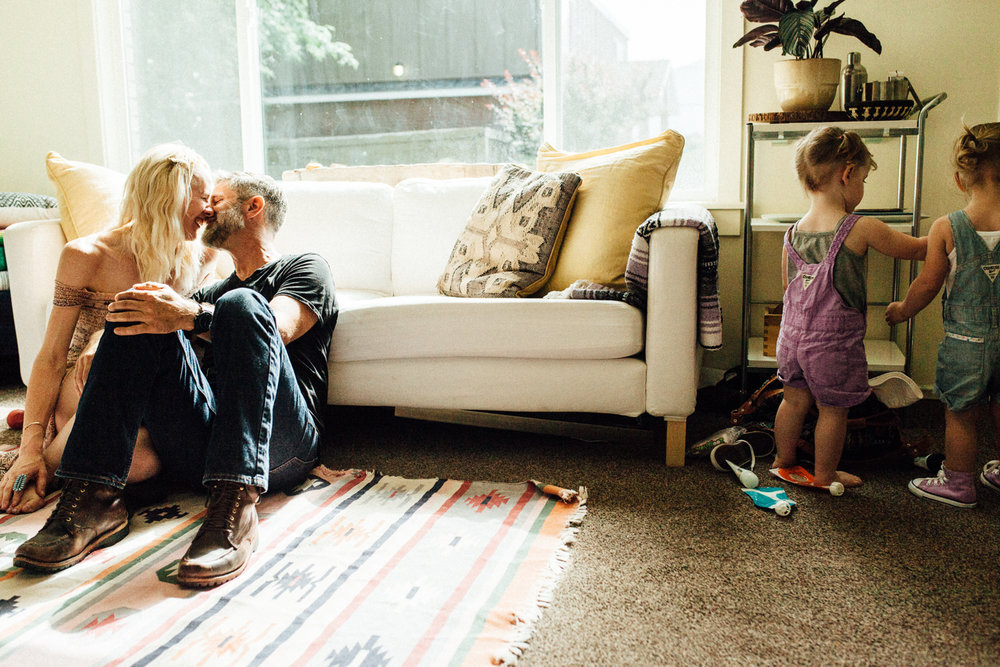 natural-and-intimate-photo-of-family-with-two-toddlers-during-in-home-family-session-with-jen-fairchild-salt-lake-city-utah