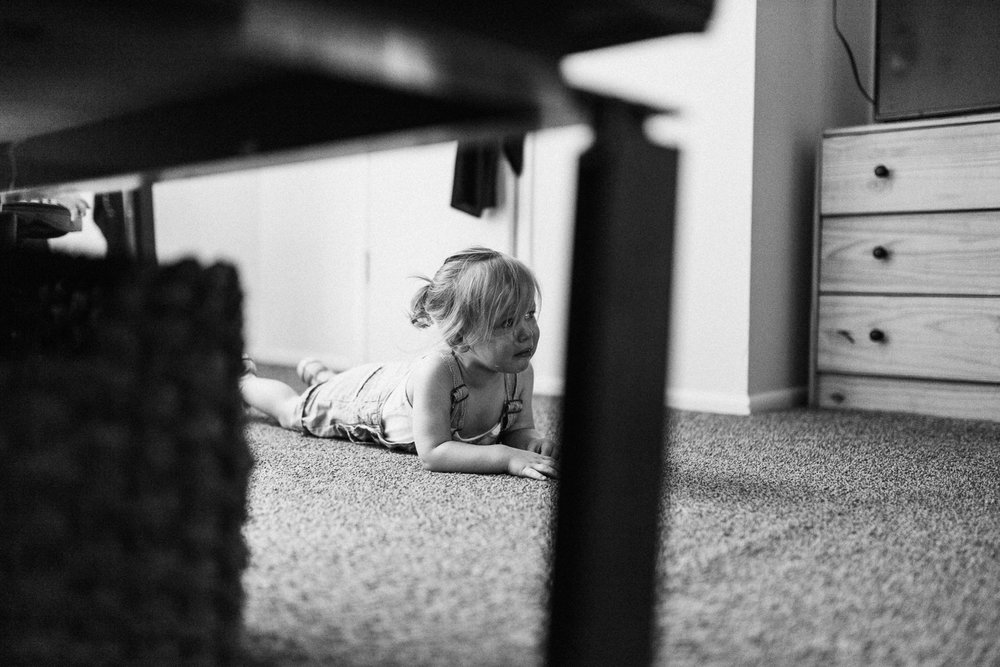 candid-shot-of-toddler-tears-during-in-home-session-with-jen-fairchild-salt-lake-city-ut