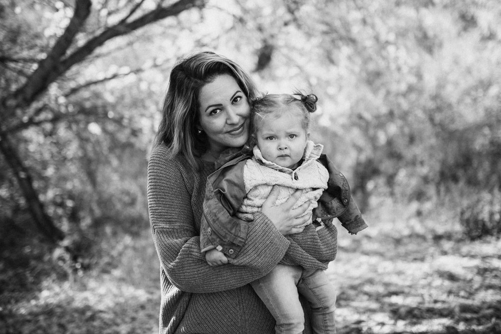 black-and-white-portrait-of-mom-and-daughter-during-free-family-portaits-with-jen-fairchild-photography-at-rotary-glen-park-in-salt-lake-city-utah