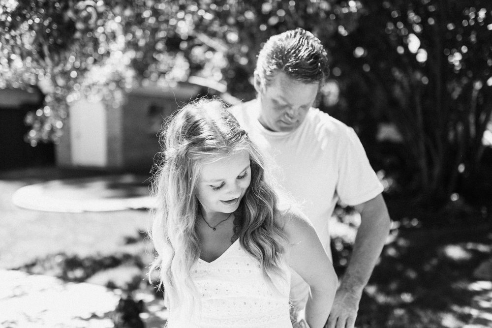 natural-and-artistic-black-and-white-photo-of-father-and-daughter-during-at-home-session-in-salt-lake-city-utah