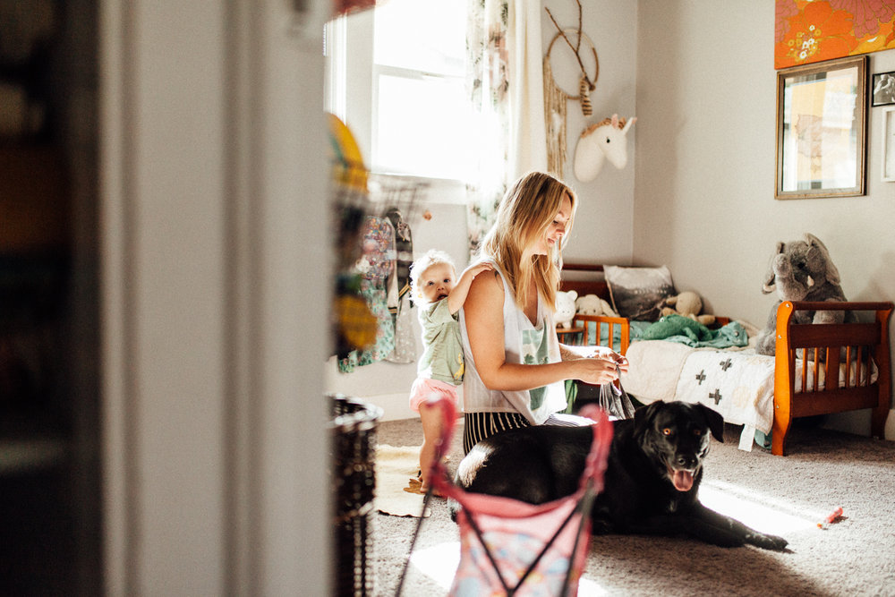 natural-and-artisitic-photo-of-mother-daughter-and-dog-getting-ready-salt-lake-city-utah