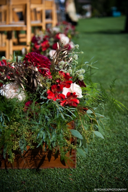 red gold wedding flowers sophisticated floral designs portland oregon wedding florist resort at the mountain