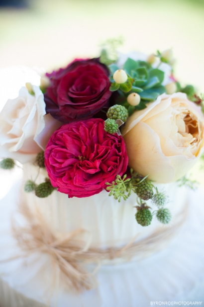 cake top flowers wedding florist portland oregon sophisticated floral designs