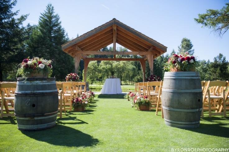 wedding ceremony flowers resort at the mountain sophisticated floral portland oregon