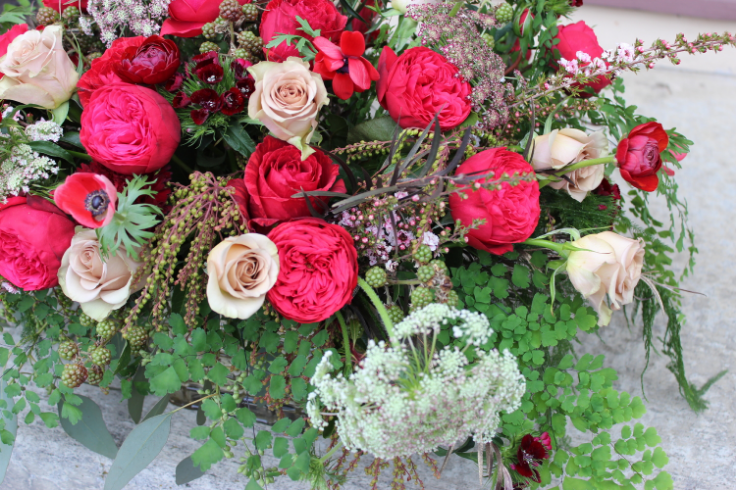 marsala and champagne color palette floral inspiration centerpiece