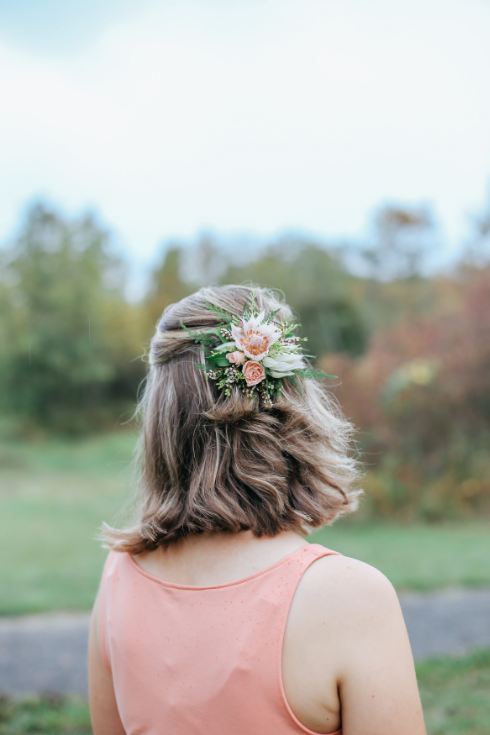 spotted stills photography sophisticated floral designs portland oregon wedding florist hair flowers to wear floral comb wedding hair