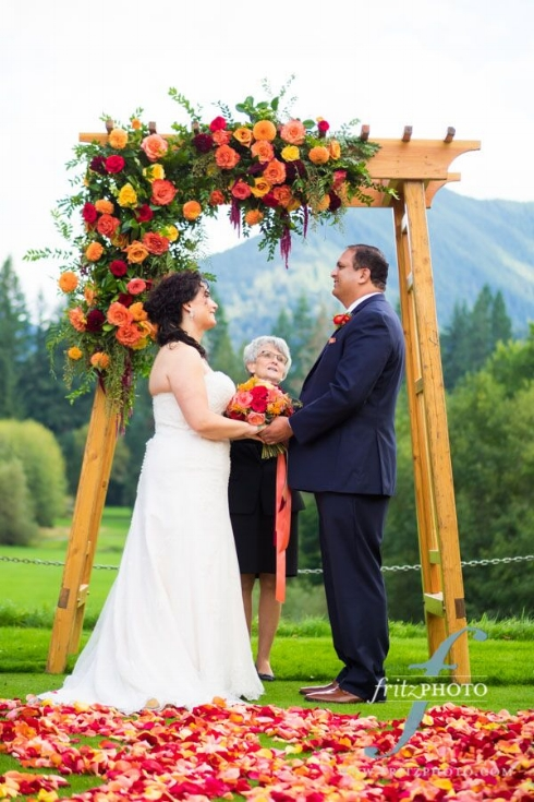 sophisticated floral designs portland oregon wedding florist arbor flowers resort at the mountain