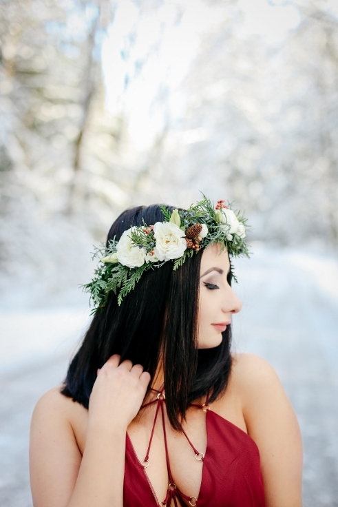 sophisticated floral oregon florist winter elopement wedding design