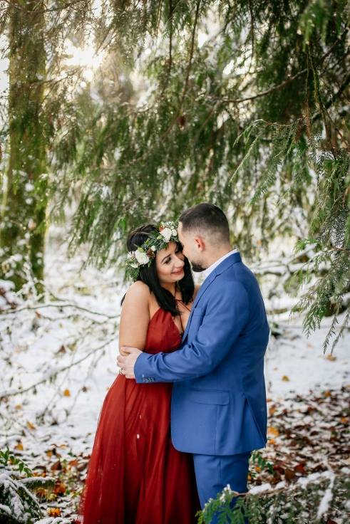 winter wonderland engagement flowers sophisticated floral
