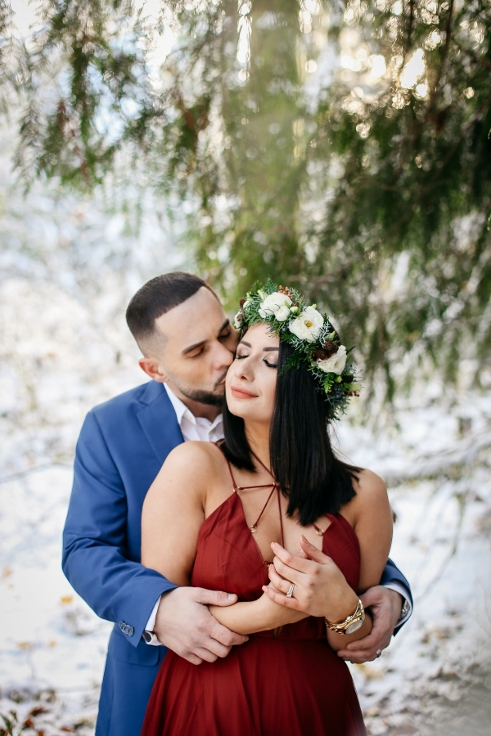 portland oregon winter engagement photography spotted stills sophisticated floral crown