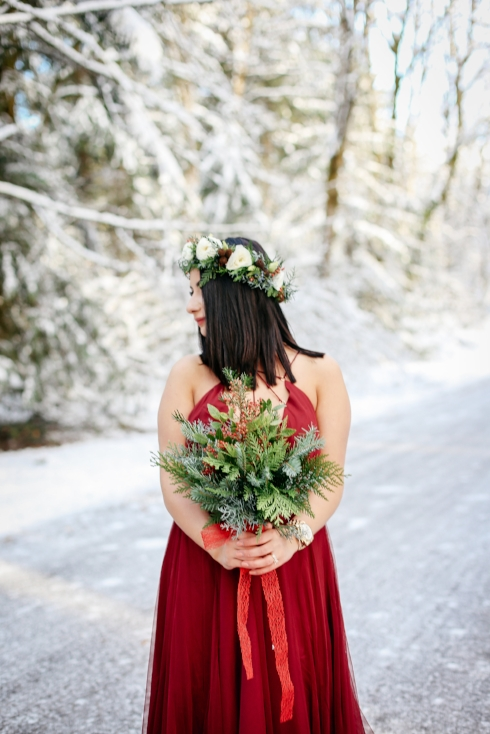 sophisitcated floral designs portland winter wedding bridal bouquet