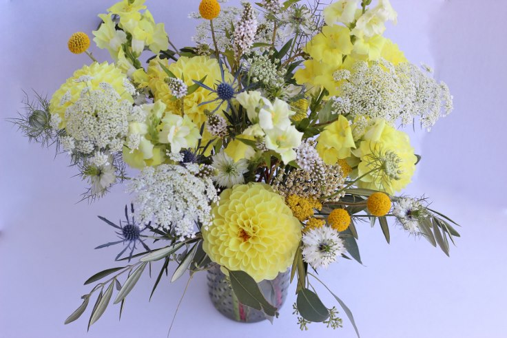 sophisticated floral designs portland oregon florist wildflower centerpiece boho wedding vintage flowers