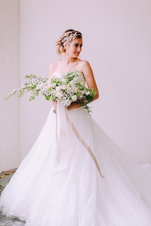 sophisticated floral portland oregon wedding florist