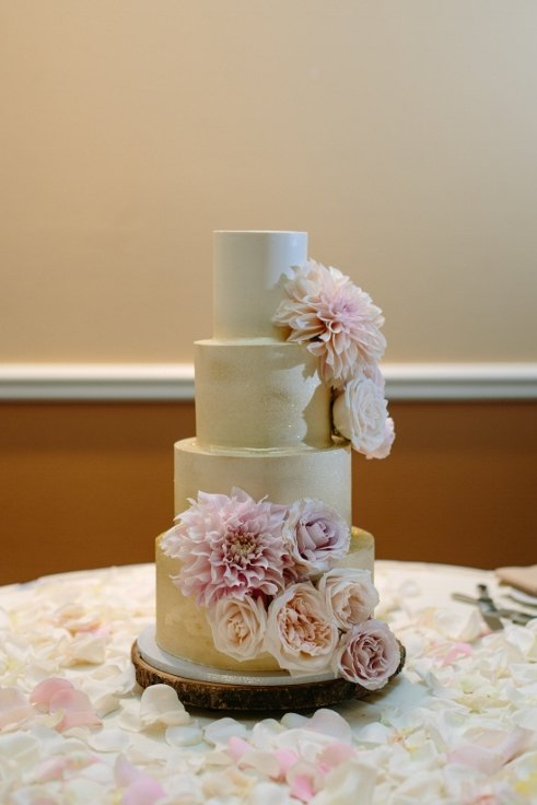 sophisticated floral designs abernethy center kyras bakeshop blush pink and gold wedding cake flowers