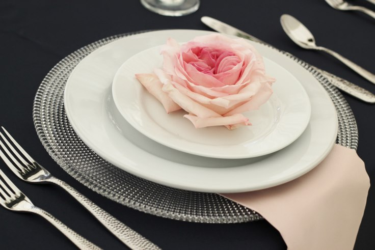 place setting flowers sophisticated floral designs