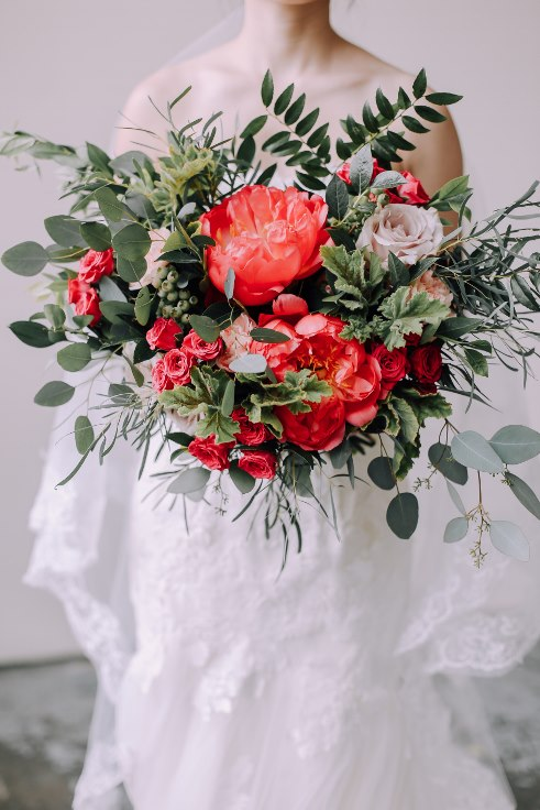 sophisticated floral designs portland wedding florist coral peony bridal bouquet 2019 color of the year living coral