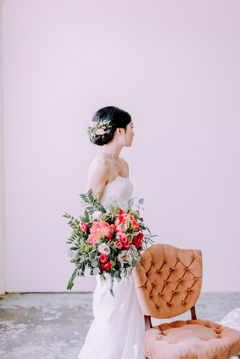 sophisticated floral designs portland wedding florist bridal bouquet and hair flowers
