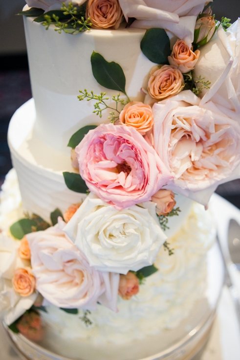 sophisticated floral designs portland oregon wedding florist Nines Hotel wedding cake flowes