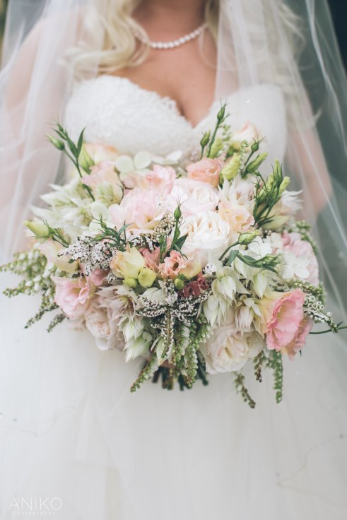 sophisticated floral designs portland oregon wedding florist-oregon-golf-club-wedding-aniko bridal bouquet blush pink