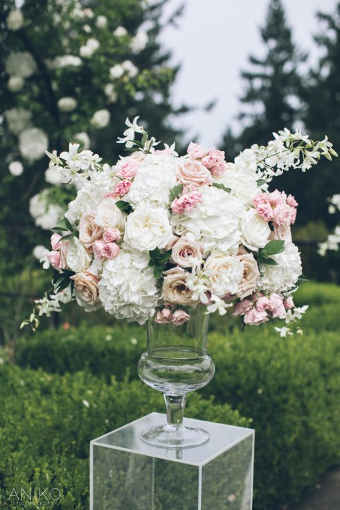 sophisticated floral designs portland oregon wedding florist-oregon-golf-club-wedding-aniko (23).jpg